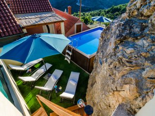 Villa MarAnte - Three Bedroom Villa with Swimming Pool