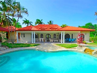 7 Bedroom guest friendly villa