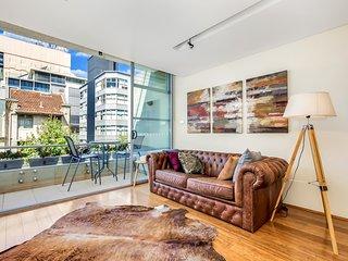 Hip loft apartment in trendiest part of town