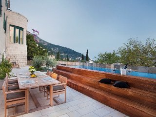 Luxury Villa Castello Dubrovnik with pool by the sea and center of Dubrovnik
