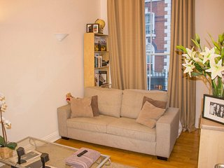 Charming 1 Bed Flat In Stunning Hyde Park!
