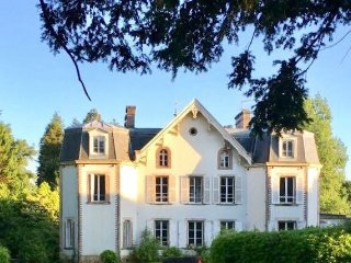 Chateau de Montvason, Indoor heated pool, DDay, nr Cherbourg, Breakfast Incl