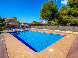 Magical Costa Dorada villa in Roda de Bara, only 2km from the beach!