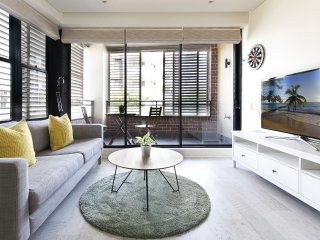 Stylish executive studio in inner Sydney