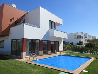 CD PL-Outstanding villa in Bom Sucesso/Lagoa de Obidos with heated private pool.