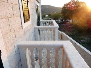 Villa Mornor | APP 1