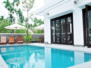 HOIAN MILESTONE VILLA - 9 BEDROOMS- BIG POOL