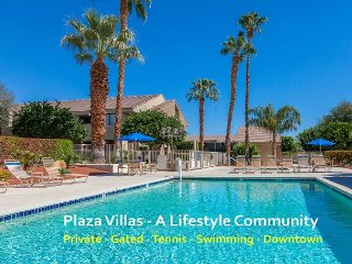 Double Down Hideaway at Plaza Villas - Right Downtown!