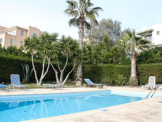 Top Floor Apartment on Tomb of the Kings, walking distance to the sea