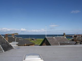 Sula Bassana - Stylish apartment with panoramic sea views, central North Berwick