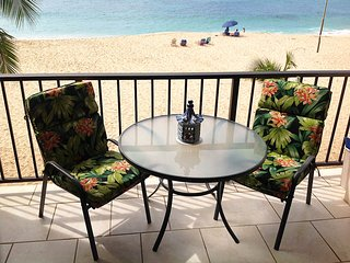 It's Right on the Beach! *5*Hawaiian Princess-BEST BEACH ON OAHU! U'LL LUV IT!