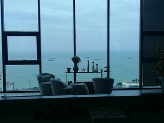 Base Condo Central Pattaya 1 Bedroom Luxury Living 5 min from all attractions