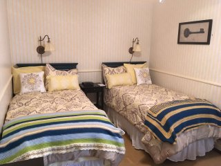 Cottonwood Chamber- Rose Street Bed & Breakfast