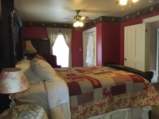 Red Mountain Suite - Rose Street Bed & Breakfast