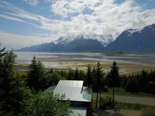 Glacier View Lodge luxury home beach access BBQ gorgeous view ADA accessible