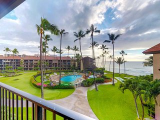Oceanfront condo w/ ocean views, shared pool, hot tub & more - easy beach access