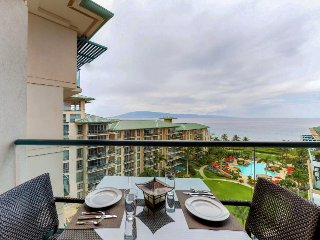 Feel the breezes in this oceanview studio w/ private lanai, resort pool/hot tub