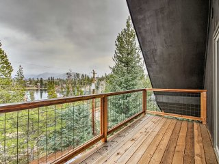 New! 2BR/Loft Grand Lake House w/ 2 Decks & Lake View!