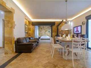 Puerto Banus beachfront spacious apartment next to Marina with shared pools