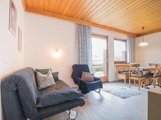 Profelt's Apartment B, sleeps 5, town centre, large terrace, free WIFI