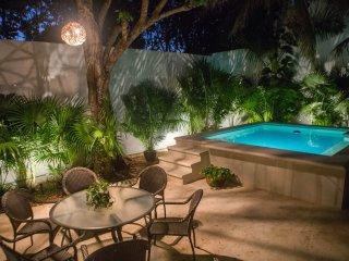 Cozy single storey house downtown Cancun