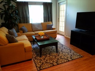 ADORABLE Condo near Gaylord Convention Ctr ,MGM, National Harbor & DC