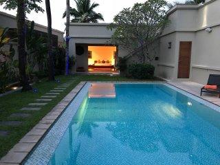Relax and Unwind in True Comfort - Villa Davrine