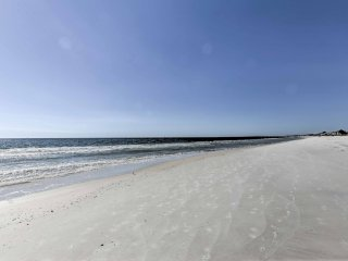 'Golden Days' 2BR Port St. Joe Beach Home w/Yard!