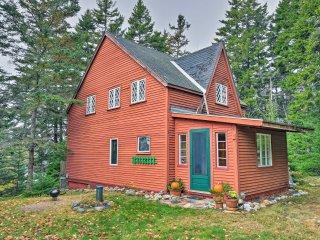 NEW! Cozy 3BR Waterfront Cabin in Winter Harbor!