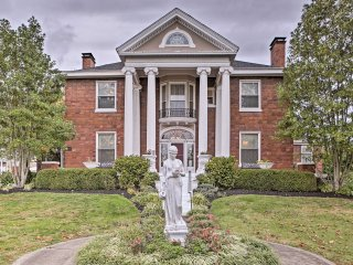 'Governor's Mansion' - Louisville Home w/Hot Tub!