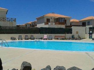 Spacious Villa Aurora apartment in Corralejo with WiFi, private parking, private
