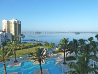 Luxury Waterfront Highrise with Stunning View