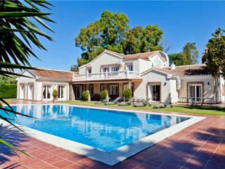 Estepona East Large Villa DALLAS