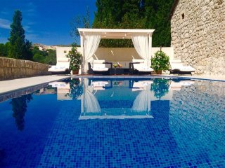 Luxury Villa Red Rose with pool in Mlini