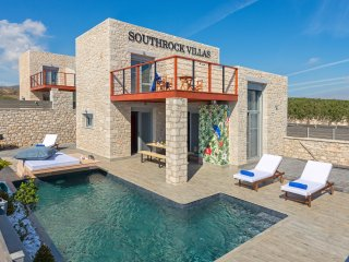 Southrock Villas - 3 Bedroom Villa with Private Pool