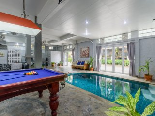 Patong private pool villa 5 min walk from Beach,Bangla