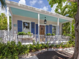 Dog-friendly, cabana-style cottage w/ private pool - two blocks from town!