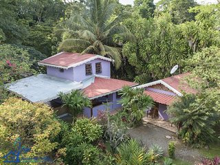 Affordable Punta Uva Beachside Cottage, sleeps 6