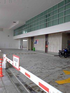 Towards Tower A Lobby