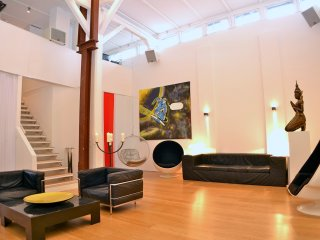 cool 160 sqm loft in best area