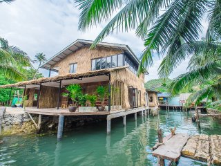 Stilt house 4 rooms between sea & river