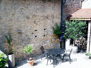 La Cuvee-Saint-Georges est un loft en centre ville situe coeur du vignoble
