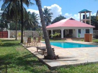 rustig gelegen private cottage voor 4 pers met groot zwembad