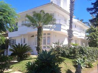 Casa ampla no Centro de  Jurere Internacional, Florianopolis