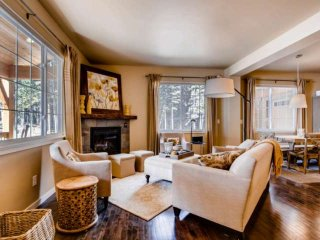 Breathe in the High Alpine Forest w/ Private Hot Tub and Fabulous Decor Mins. to