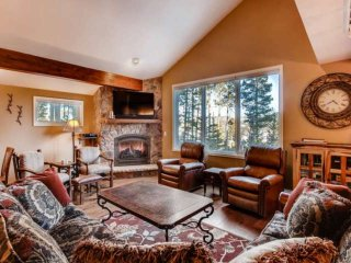 Fox Run-Stunning Peak 8 Ski-In/out Hm-Hot Tub-Amazing Views-Sleeps 15! - by
