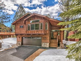 Luxury South Lake Tahoe Cabin!