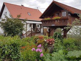 Haus Willi | Ferienwohnung & Monteurzimmer Ortenberg | 4 Personen
