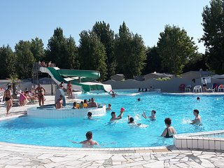 Holiday Chalet on 4 star Campsite l'Atlantique