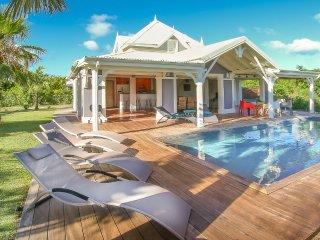 VillaBlueLagoonStFrancois , vue mer, piscine privée, à proximité des plages